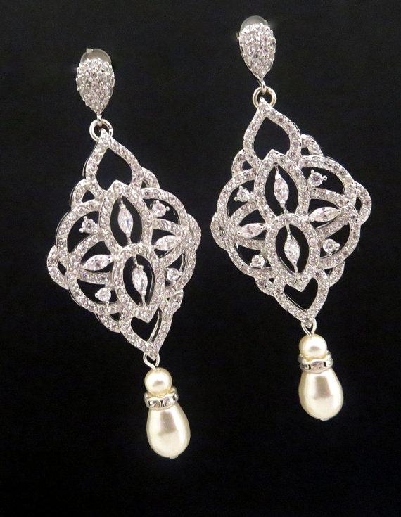 زفاف - Crystal Bridal earrings, Pearl Wedding earrings, Chandelier pearl wedding jewelry, Swarovski earrings, Pearl drop earrings, EMILY