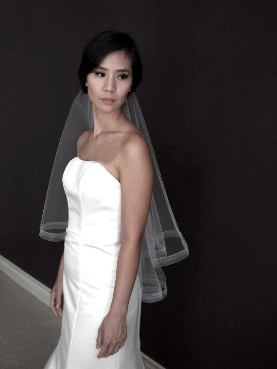 "Hochzeit - Charlotte** Elbow Length Circle Drop Veil with 1"" Horsehair Braid Trim, Wedding Veil, Bridal Veil, Tulle"