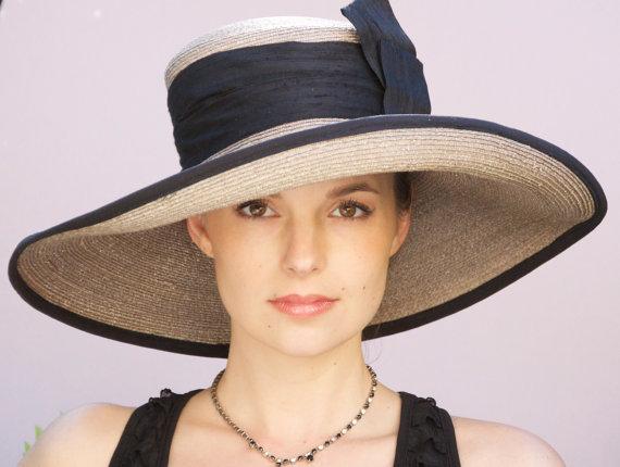 زفاف - Taupe Gray Straw Wide Brim Hat. Kentucky Derby Hat.  Wedding Hat, Derby Hat, Church Hat Formal Hat. Black Silk Sash & Trim