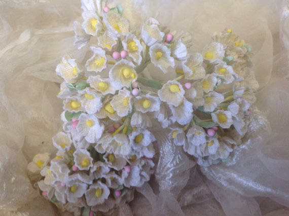 Wedding - 1 VINTAGE Bouquet   Millinery Flowers Forget Me  Nots - Antique White - Vintage Wedding Flowers