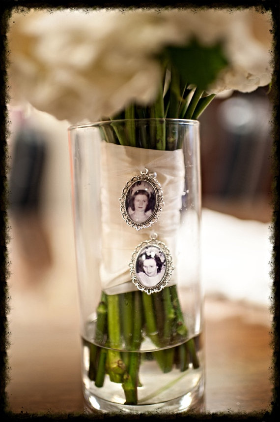 Hochzeit - 3 COMPLETE KITS to Make your own Wedding Bouquet Charms -for Family photos and Initials (Includes everything you need)