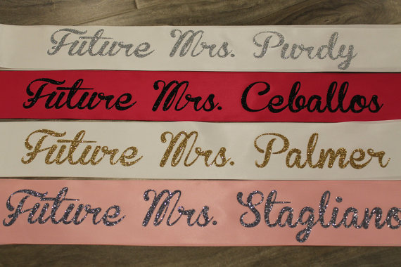 Свадьба - Bachelorette sash, bride to be sash, future mrs sash