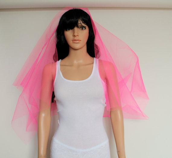 زفاف - Hot Pink Bachelorette Veil, Wedding Shower Bride Hair Piece, Veil Wedding Accessory, Pink Brides Veil, Bachelorette Party Accessory