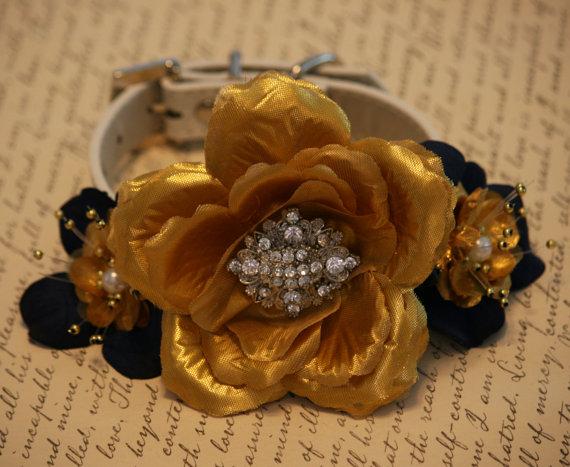 Свадьба - Navy and Gold wedding dog collar, Floral Dog collar, Navy Pet Wedding accessory, Navy and Gold Wedding, Dog Lovers, Gold Floral Collar
