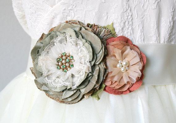 Nozze - Wedding Sash, Floral Bridal Sash, Sage Green and Coral Peach Flower Belt, Rustic Wedding Flowers, Bridesmaid Sashes, Wedding Brooch, Corsage