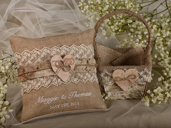 زفاف - Flower Girl  Natural Birch Bark Basket &  Burlap Ring Bearer Pillow Set, Shabby Chic Burlap Rustic Basket , Embroidery Names
