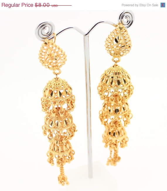 On Vintage Indian Bollywood Drop Dangle Artificial Gold Chandelier Chumka Earrings Costume Jewelry Jewellery Bridal Wedding Party Prom