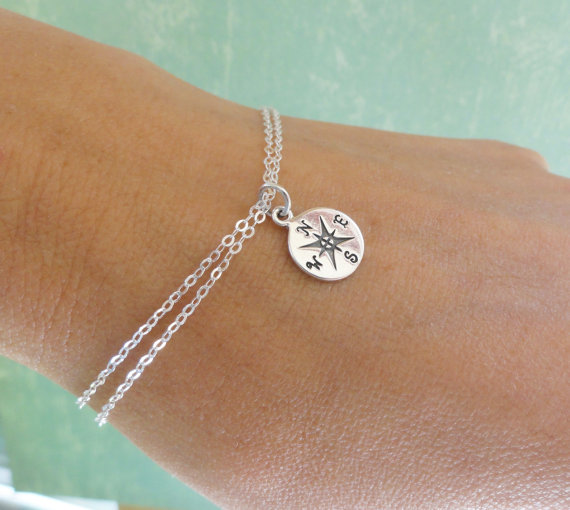 Mariage - Compass charm bracelet, friendship bracelet, GOLD or SILVER, Bridesmaid gifts, sterling silver compass bracelet, adjustable bracelet,