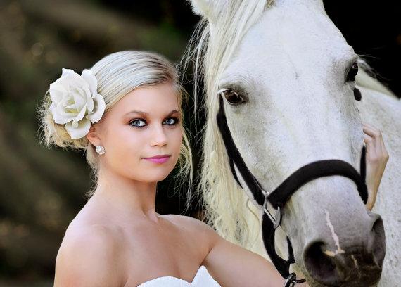 Hochzeit - Stylish Ivory Rose Wedding Veil Bridal Flower Hair Clip Fascinator Bride Bridal Rhinestone Bridesmaid