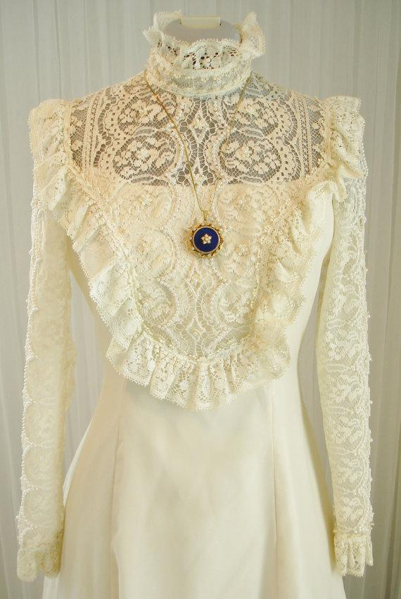 Mariage - Vintage70's Prairie/Western/Victorian/Edwardian Ecru Lace and Chiffon Wedding Dress
