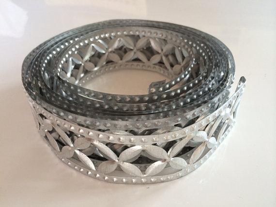 زفاف - Floral Patterned Metal Trim