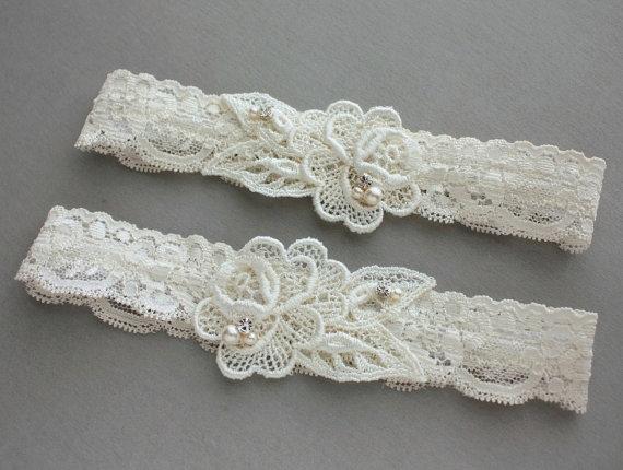 "Hochzeit - Lace Wedding Garter SET - Ivory Wedding Garters - Pearls & Crystals - Ivory or White - Lingerie - Bridal Shower Gift - ""Rosalyn"""