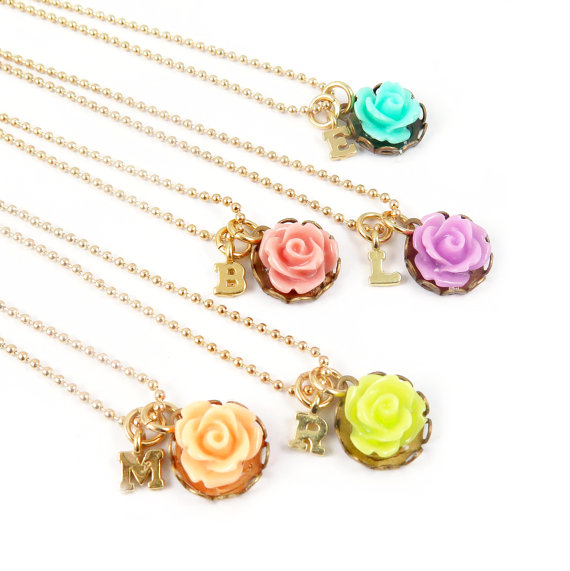 Mariage - Personalized Necklace Initial Necklace Flower Necklace Bridesmaid Gift Flower Jewelry Monogram Necklace Spring Wedding Monogram Necklace