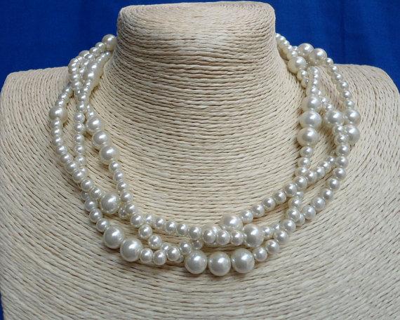 زفاف - Ivory Pearl Necklace,Wedding necklace,Glass Pearl Necklace,Triple  Pearl Necklace,Wedding Jewelry,Bridesmaid necklace,Ivory pearl necklace,