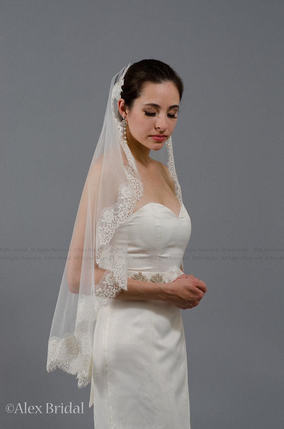 Hochzeit - wedding bridal ivory mantila veil 45x36 elbow lace