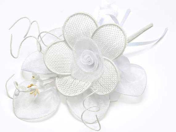 Mariage - Bouquet with White Flowers and Candy Case Leaves 12 pcs.