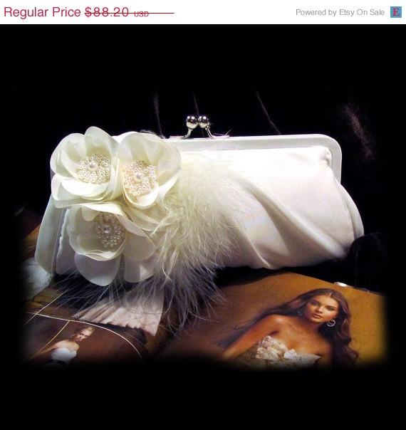 Wedding - Wedding clutch, Bridal clutch, bridal evening bag, bridal evening bag,pearl clutch, feather clutch, White clutch