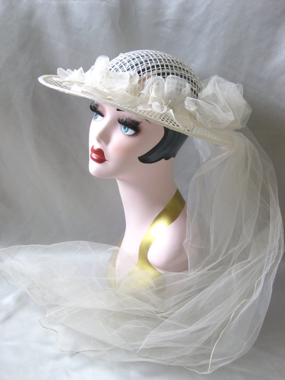 Vintage Ivory Cream Off White Woven Open Weave Wedding Bride Bridal Veil Hat 1970s 1980s