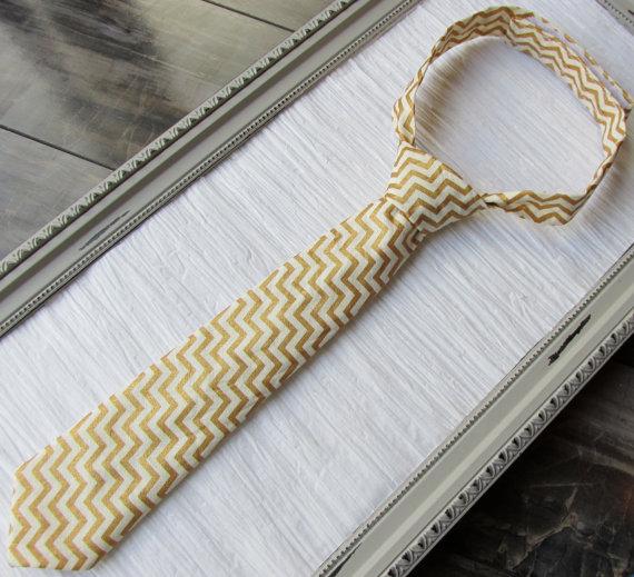 Mariage - Gold chevron Tie-baby boy tie-Toddler boy tie-Father son Matching tie-Striped gold tie-Wedding dress clothes-Ring Bearer clothes-Necktie-TIE