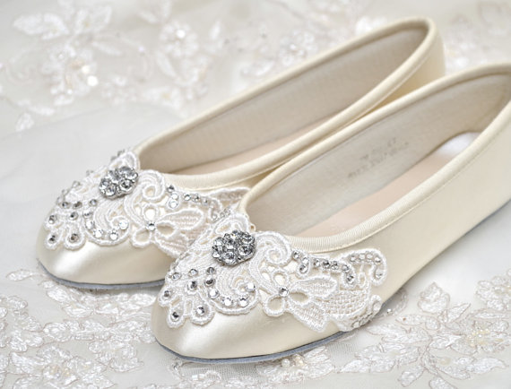 Mariage - Girl's Shoes - Ballet Flats, Vintage Lace,Wedding Flower Girl Shoes, With Swarovski Crystals, Little Belle Flower Girl Shoes