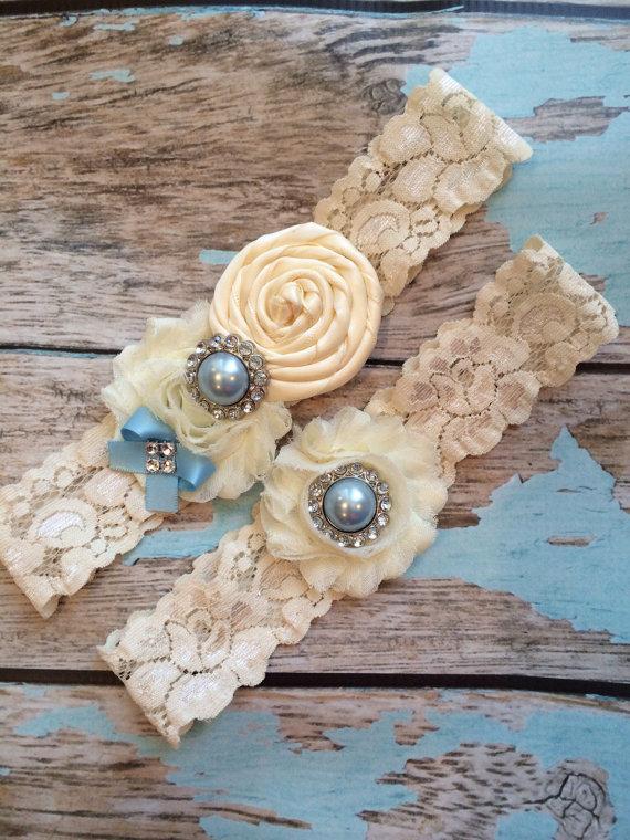 Mariage - Wedding  Garter/ bridal  garter/  lace garter / toss garter / Something BLue wedding garter / vintage inspired lace garter