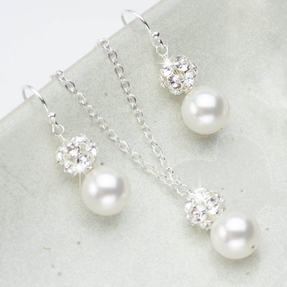 Свадьба - Pearl Jewelry Set, Necklace and Earring Set, Wedding jewelry for the Bride, Bridal Jewelry Set, Pearl Wedding Jewelry Set