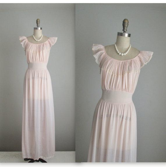 Свадьба - 50's Blush Slip // Vintage 1950's Sheer Pleated Nylon Lace Blush Chiffon Goddess Slip Gown M