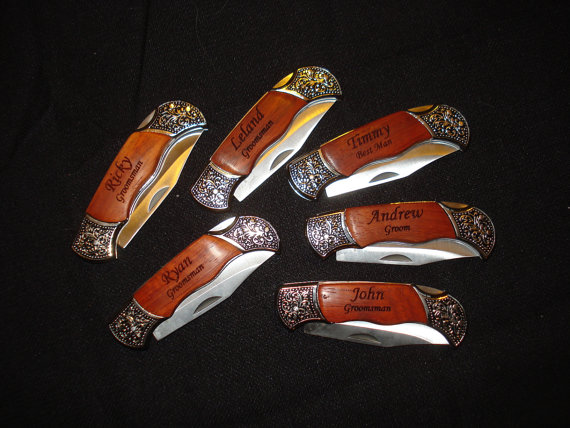 Mariage - Groomsmen Gifts - 9 Personalized Engraved Pocket Knives. Best Man, Groomsmen, Father of the Bride, Ushers