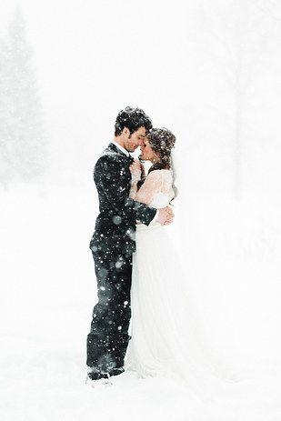 Hochzeit - 38 Couples Who Absolutely Nailed Their Winter Weddings