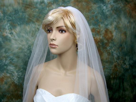 Свадьба - Mantilla bridal wedding veil ivory elbow alencon lace
