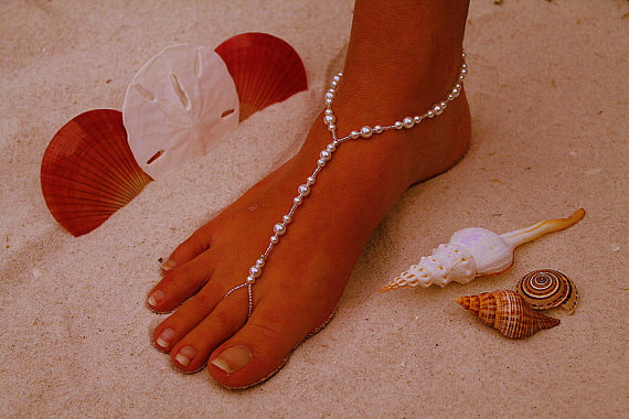 Mariage - Barefoot Sandal - Simply Elegant  White Pearls and Silver Beads II