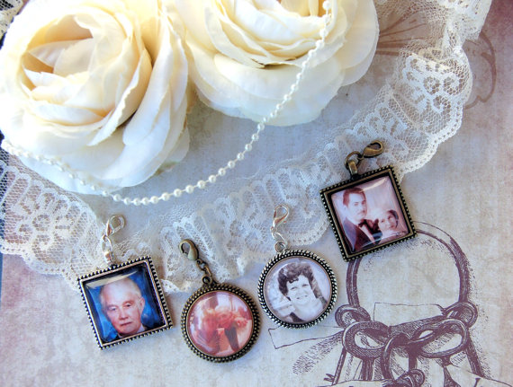 Hochzeit - Wedding Photo Charm Bridal Bouquet Photo Charm Boutonnière Photo Charm for Wedding Memory Option for Matching Gift Tin and Necklace Chain
