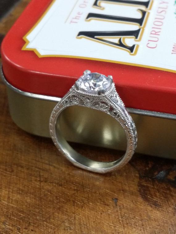 زفاف - Vintage Style Halo Engagement Ring mounted in Sterling Silver with Cubic ZIrconia (1.31 CTS)