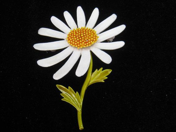Wedding - Vintage Capri White Enamel Daisy Pin Spring Summer