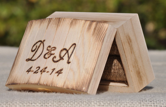 زفاف - Personalized Ring Bearer Box-Rustic Wedding- Ring Bearer Pillow Alternative