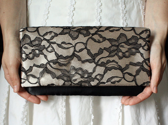Свадьба - Set of 8 Lace Clutches, Bridesmaid Clutch, Wedding Clutch, Modern Vintage, Champagne Clutch, Black Lace Clutch, Bridesmaid Gift Idea