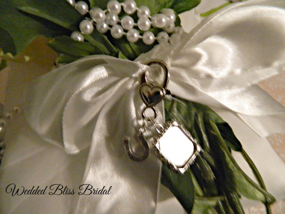 Свадьба - Bouquet Charm - Photo Frame  and Horseshoe charm - Wedding - Diy frame or request a custom order for photo included
