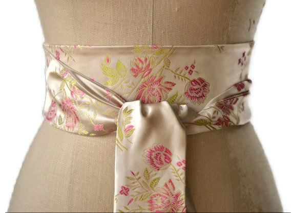 Hochzeit - Ivory satin obi belt, pink flower obi sash, wedding obi belt, bridal satin sash, waist cincher , japanese inspired obi , asian brocade