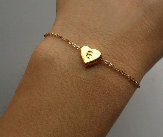 Mariage - Initial On Golden Heart Bracelet Gold Bracelet Initial Bracelet Bridesmaid Gift Idea Fashion Bracelet Love Bracelet Personalized Bracelet