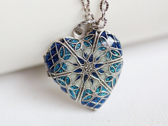 Hochzeit - Locket, Silver Locket, Jewelry Gift,Something Blue Locket,filigree locket necklace,photo locket,Wedding Necklace,bridesmaid necklace