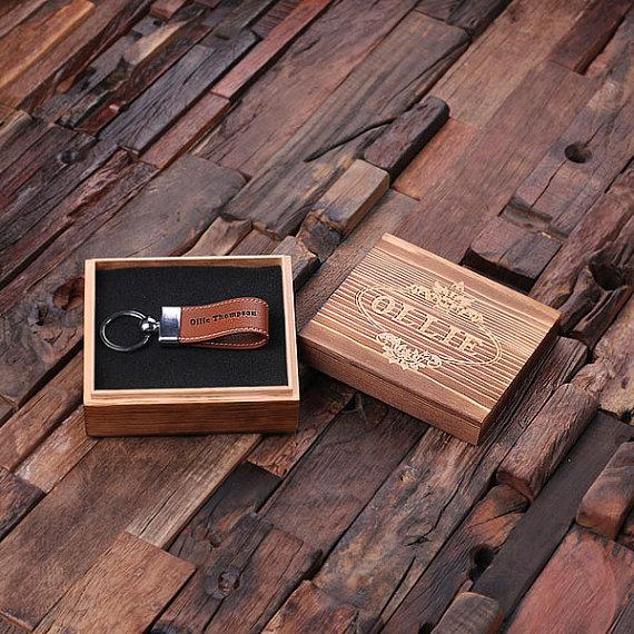 Mariage - Personalized Leather Engraved Key Chain Key Ring with Wood Box Handsome Groomsmen, Corporate or Promotional Gift (024917)