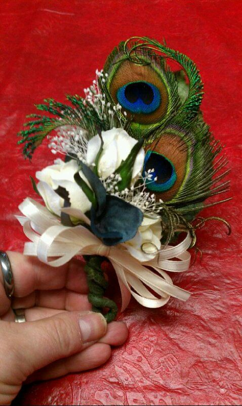 Hochzeit - Mother Of The Bride Peacock Corsage