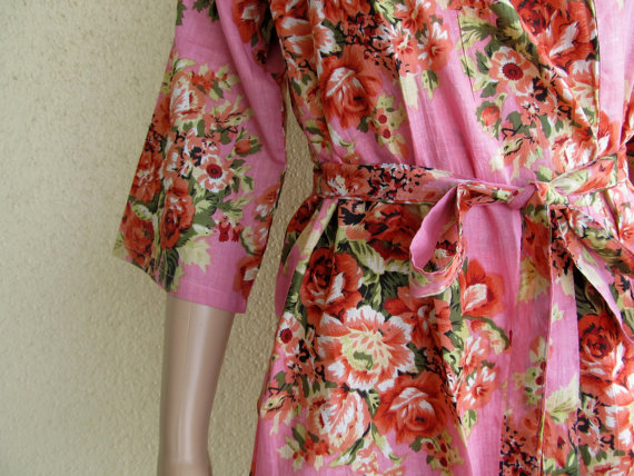 Light Pink Floral Kimono Robe - Dressing gown - Bridesmaid gift - Pre  wedding photo prop - Floral robe 2742fbdb7