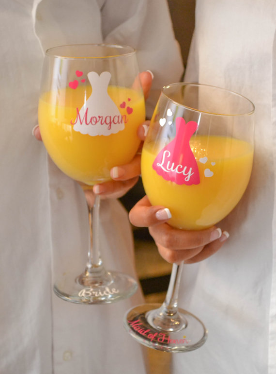 Mariage - Bridesmaid wine glass / personalized wedding wine glass / bridal party