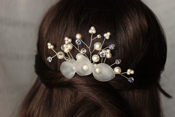 Mariage - Sale 25% Beaded Bridal comb Crystal Pearl Hair Accessories Wedding piece cream ivory  Veil attachment Calla lily rose gold blue gray pink