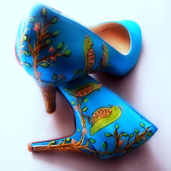 Hochzeit - Wedding shoes twitter blue bird tweet pumps neon Gillian