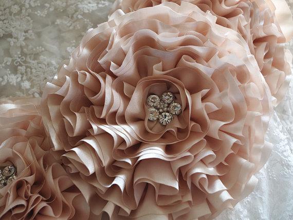 Mariage - champangne satin Chiffon rosette, wedding decors, wedding chair sash, table bouquet