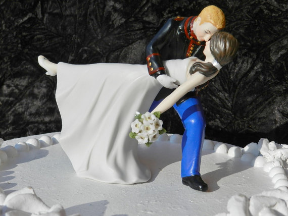 Свадьба - military USMC Marine Corps groom uniform dance dip Wedding Cake Topper