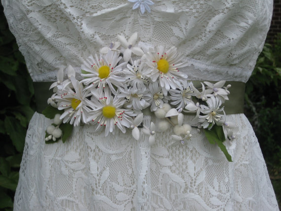 Mariage - Vintage Daisy Wedding Dress Sash