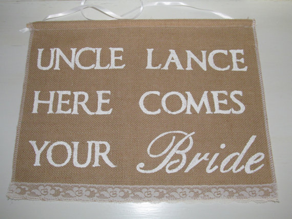 Mariage - Uncle Wedding Sign - Custom Uncle Wedding Banner -Ring Bearer Sign - Here Comes the Bride Sign - Rustic Burlap Sign